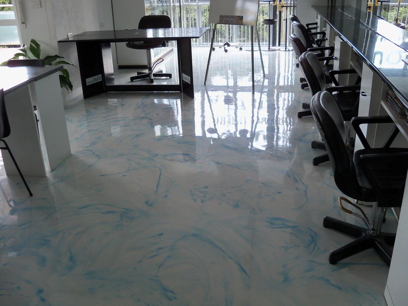 Resine per bagni e pavimenti la decora di rossi luciano for Pavimenti 3d prezzi